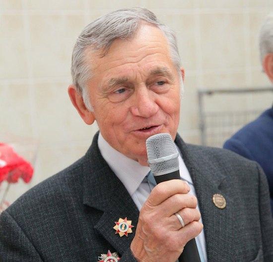 Волков Владимир Дмитриевич - Заслуженный тренер России по плаванию